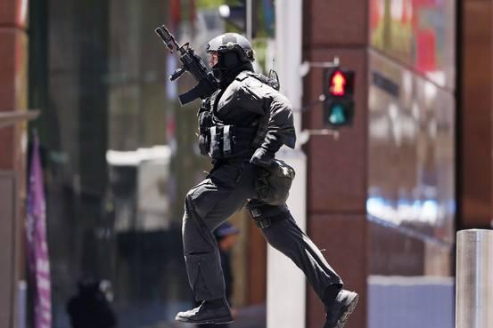 【テロ】シドニーのカフェでテロ事件が勃発し町は騒然!