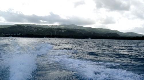 激しい水しぶきを浴びてマニャガハ島へGO!