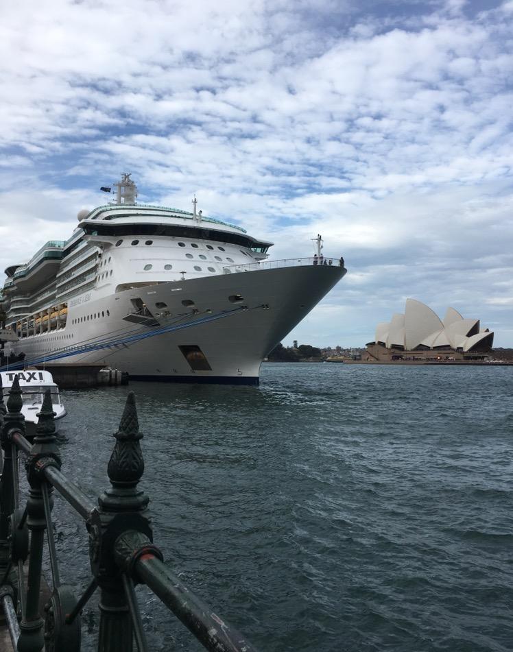 オペラハウス 船