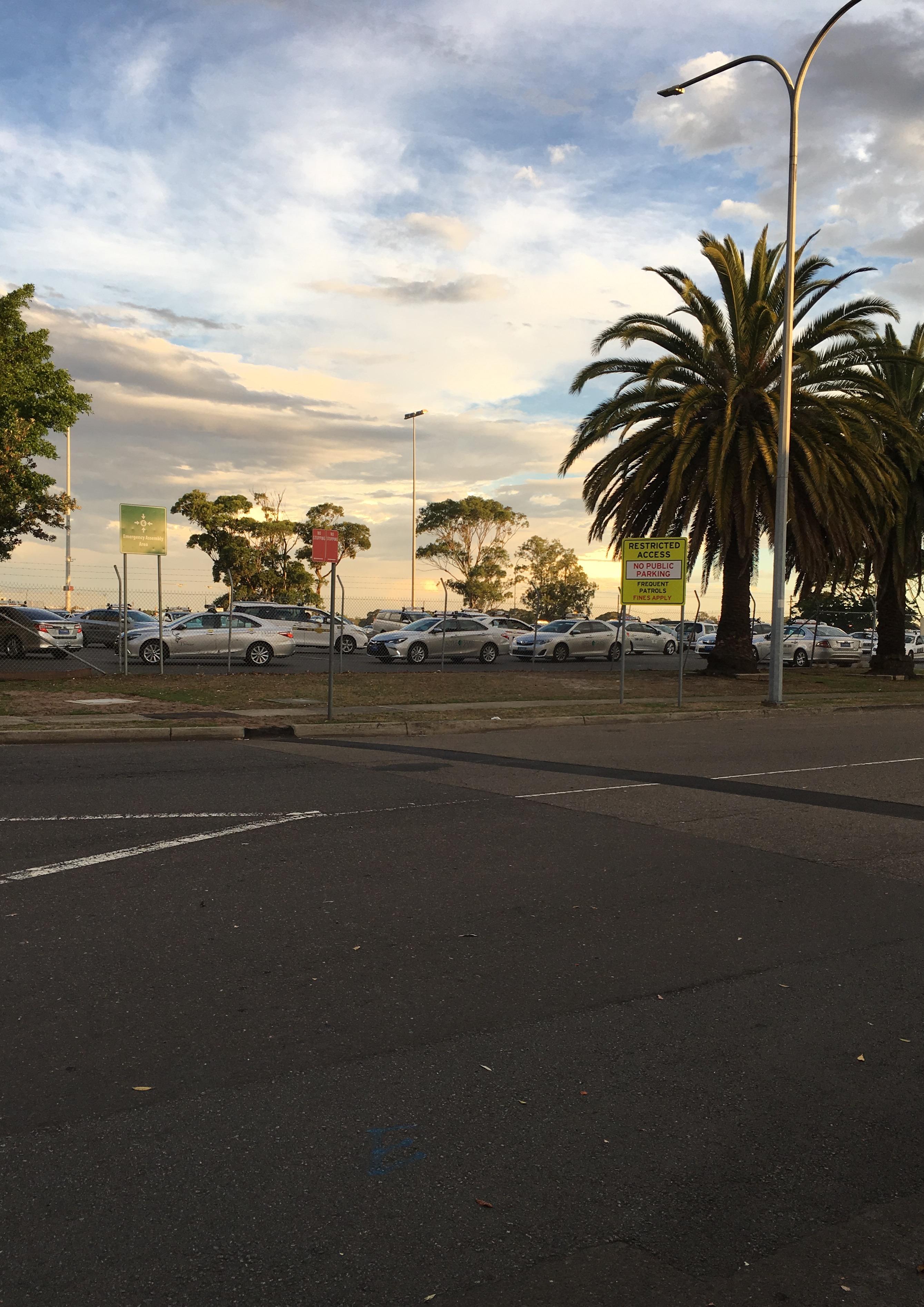 シドニー空港 駐車場
