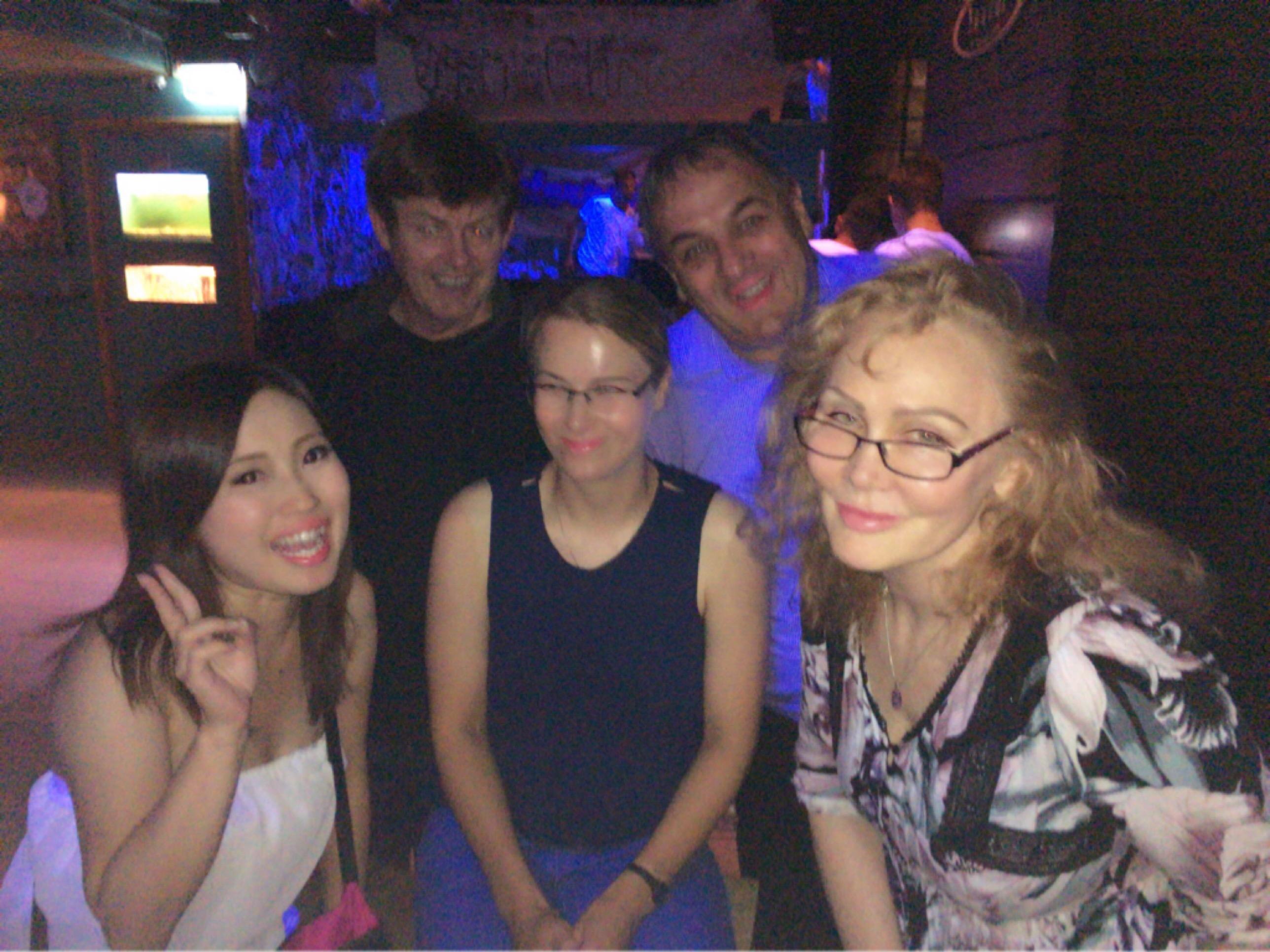 【シドニーで夏のクリスマス】Xmasパーティとゆーかただのピザ食べ放題party笑